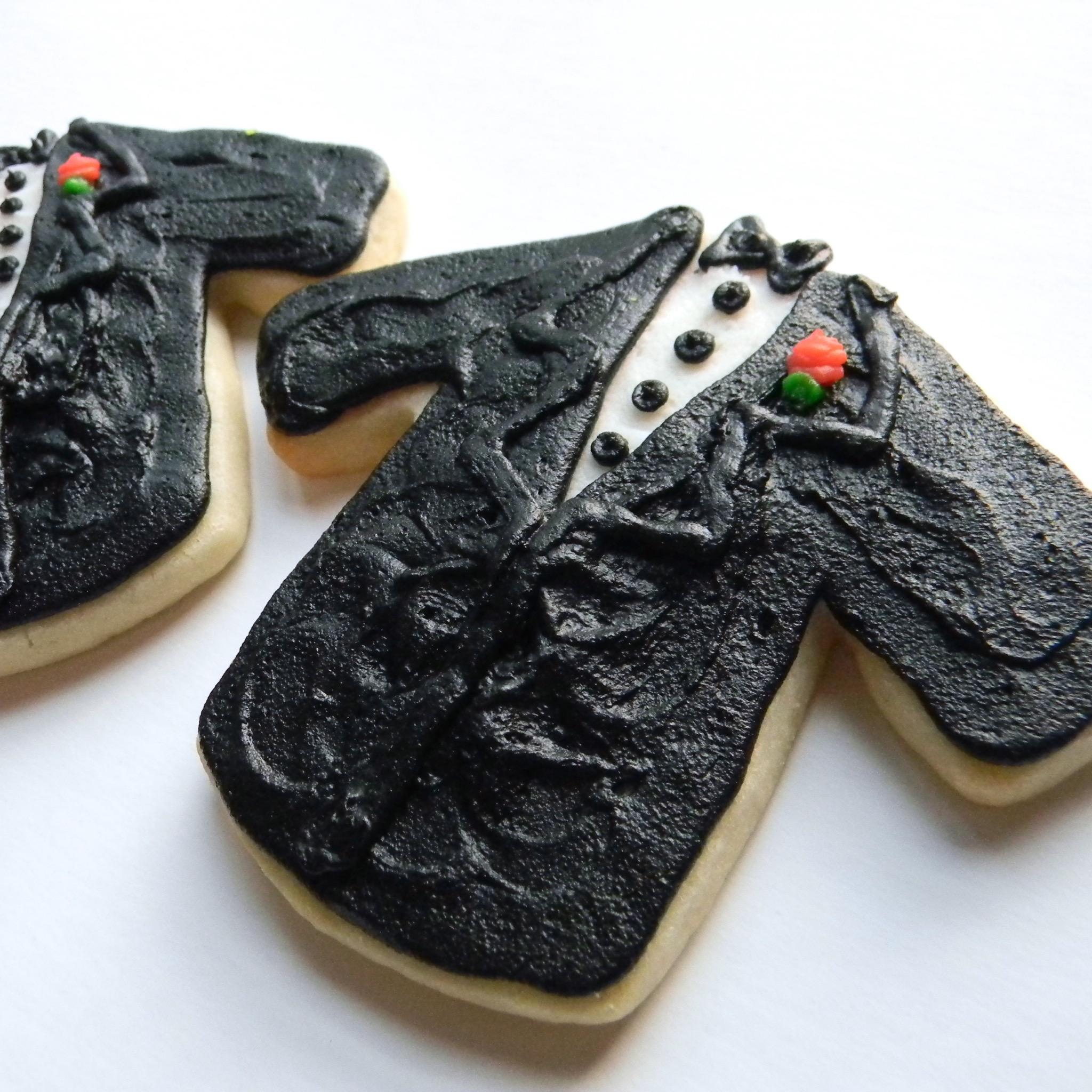 Wedding.cookies.tux.black.jpg