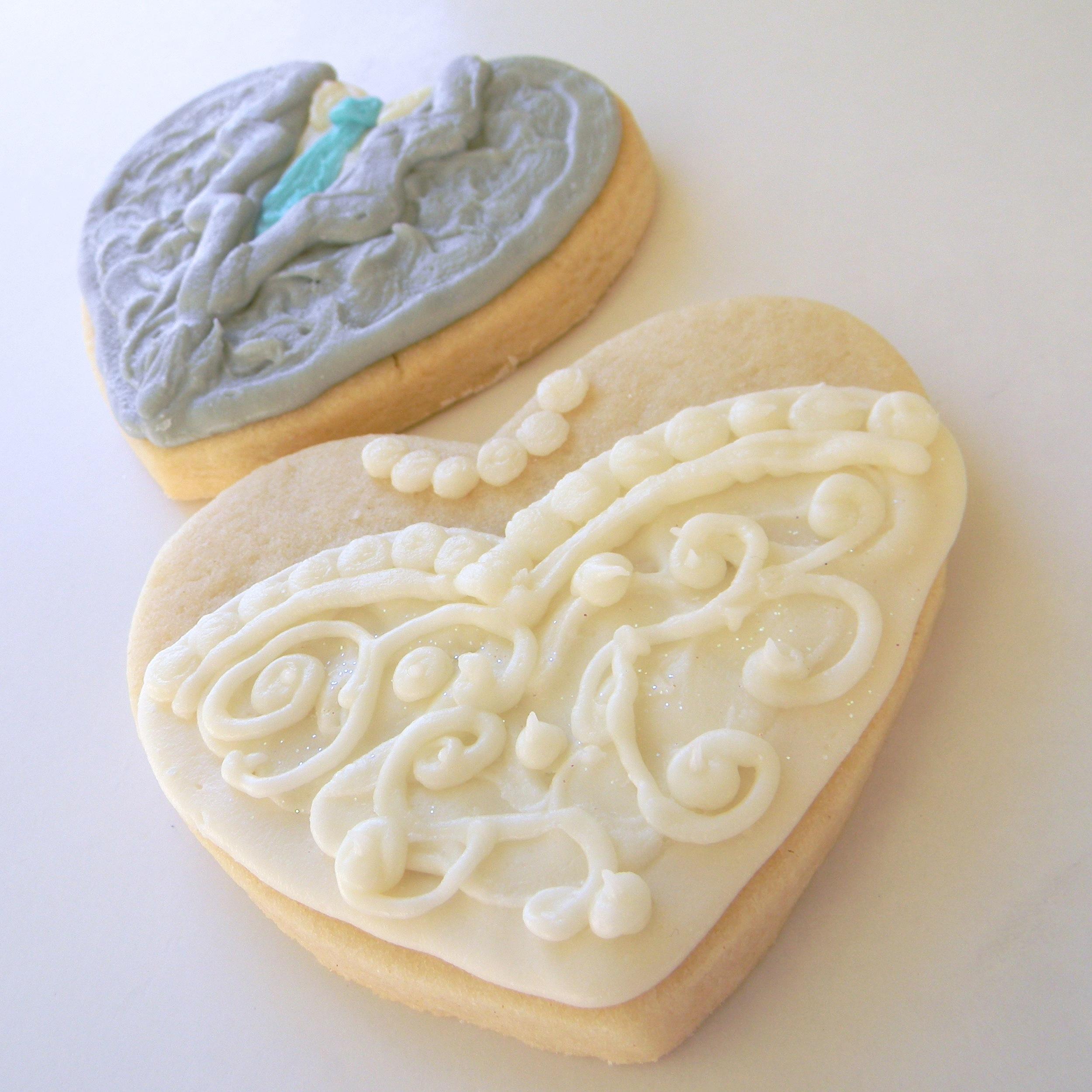 Wedding.cookies.tux.dress.heart.2.jpg
