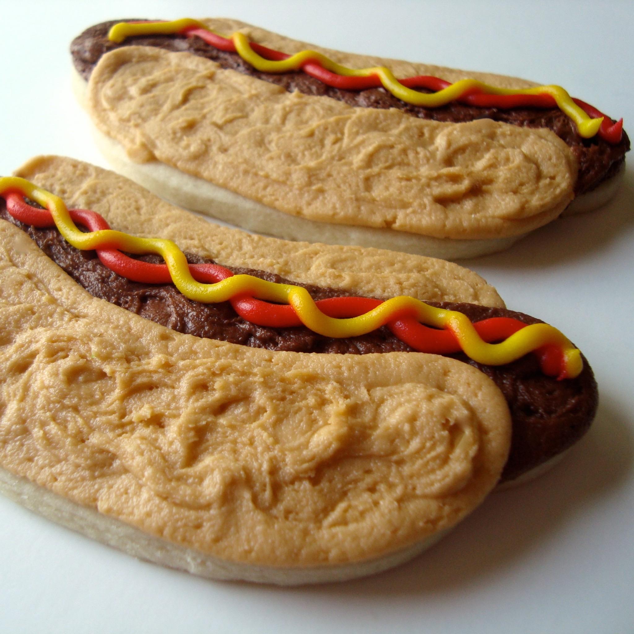 Seasonal.Summer.cookies.Hotdog.jpg