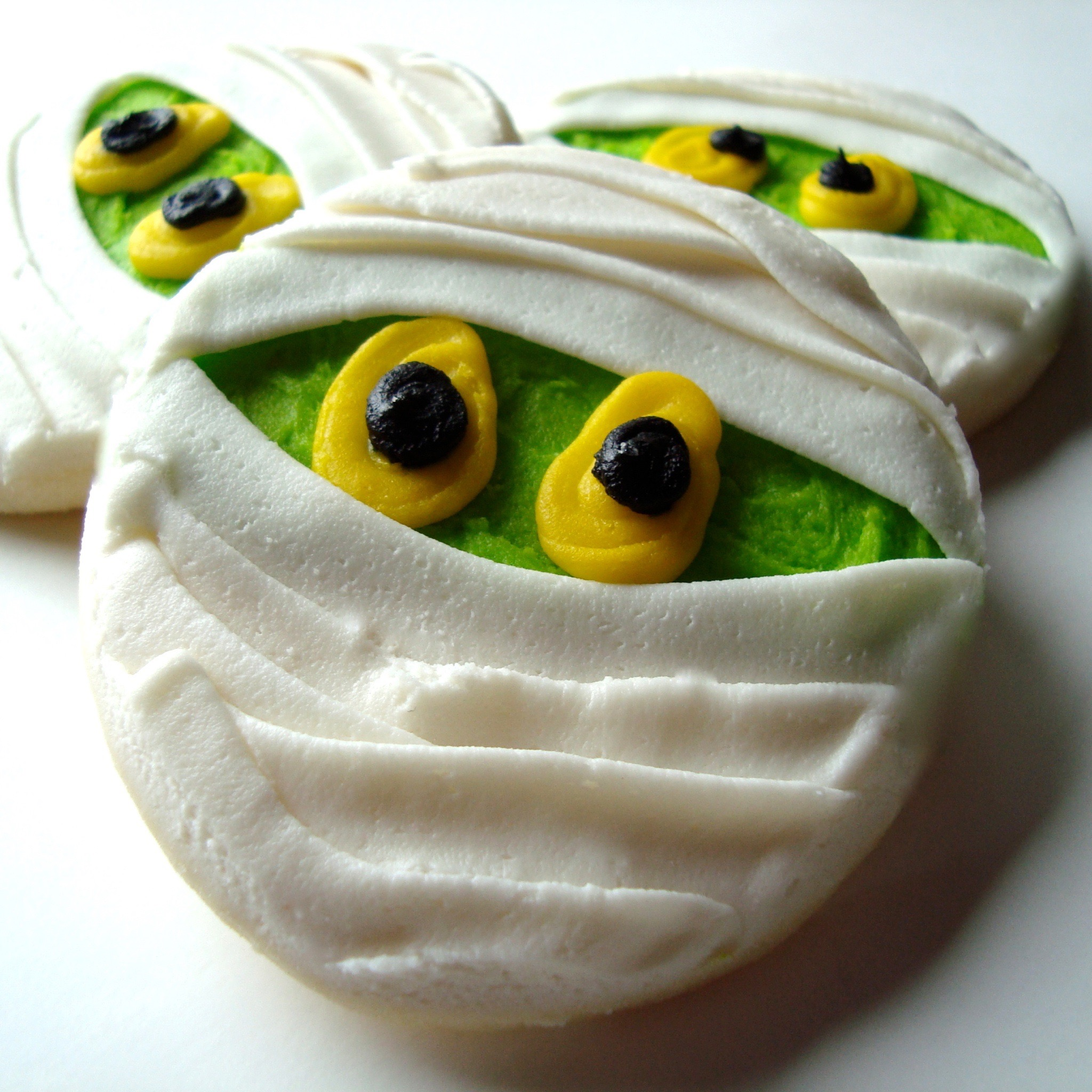 halloween.cookies.mummy.jpg