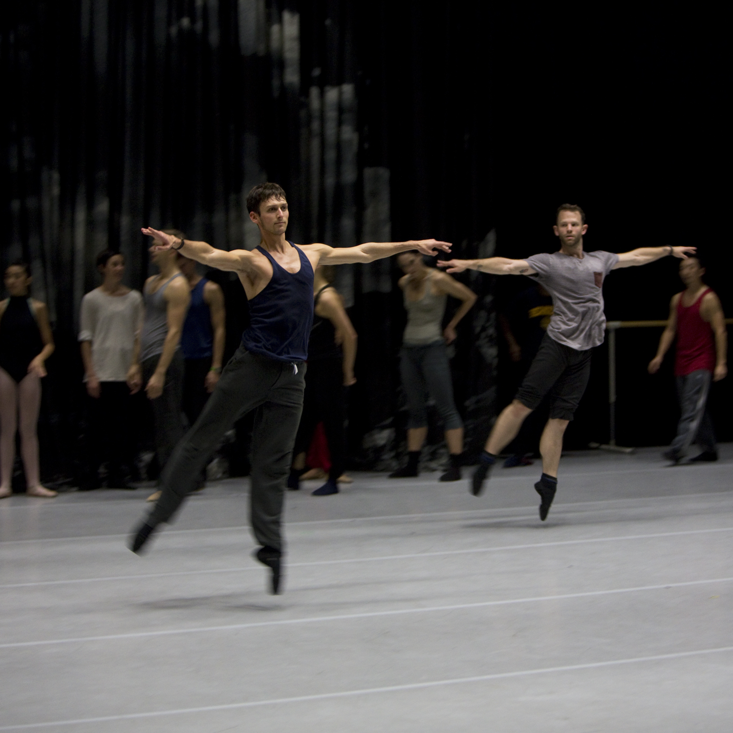 Garen Scribner dancing during company class with NDT when they visited Berkeley in 2013. Photo by Sandy Lee.