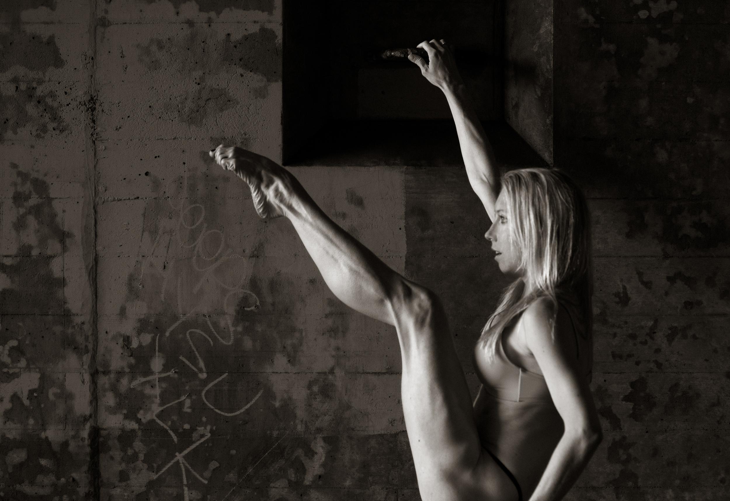 Margaret Karl at the 2014 DanceFAR photoshoot. Photo by Sandy Lee.