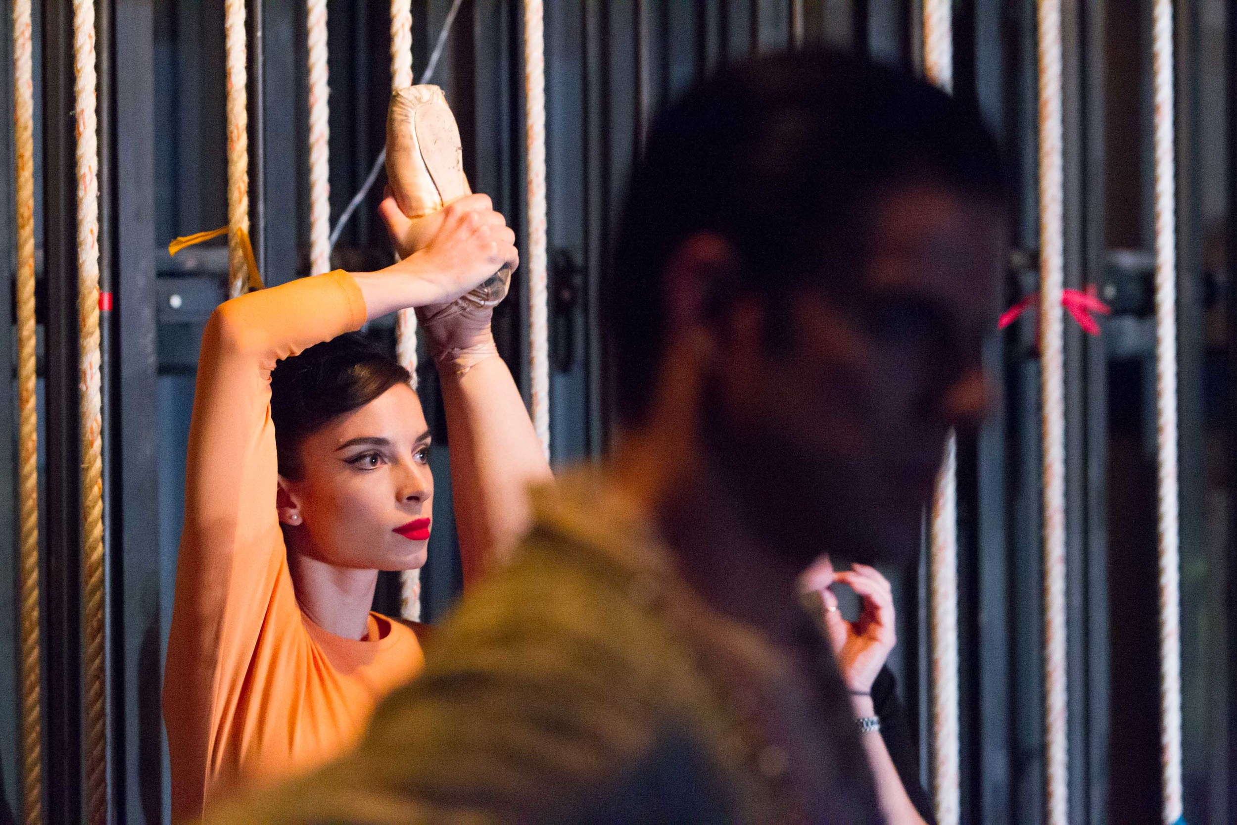 Dores Andre backstage, photo Drew Altizer