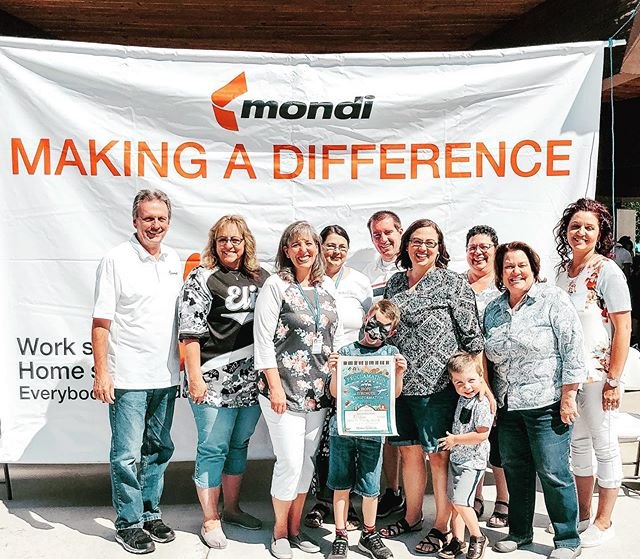 We have the opportunity to do a LOT of cool things, but nothing has been more special than being part of 4-year-old Easton's #makeawish Reveal today. Thank you #Mondi for including us! #Blackssliders #utahfoodtrucks