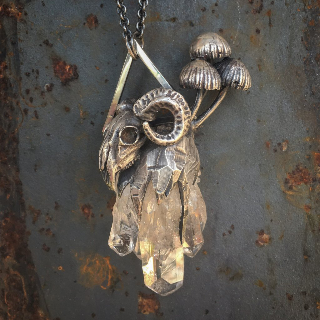 THEETH JEWELRY    Theeth Jewelry provides curious adornments from deep wood to high desert, handcrafted with care in Portland, Oregon. The incredibly unique pieces are cast and fabricated in sterling silver or bronze and set with high quality natural stones. Owned and operated by Kimi Kaplowitz, all mold making, wax working, casting, and fabrication processes are done  by the artist.