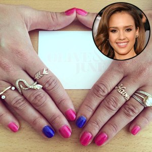 jessica-alba-statement-rings.jpg