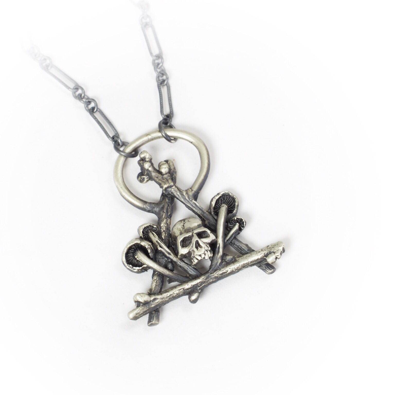 Skull Hovel Necklace