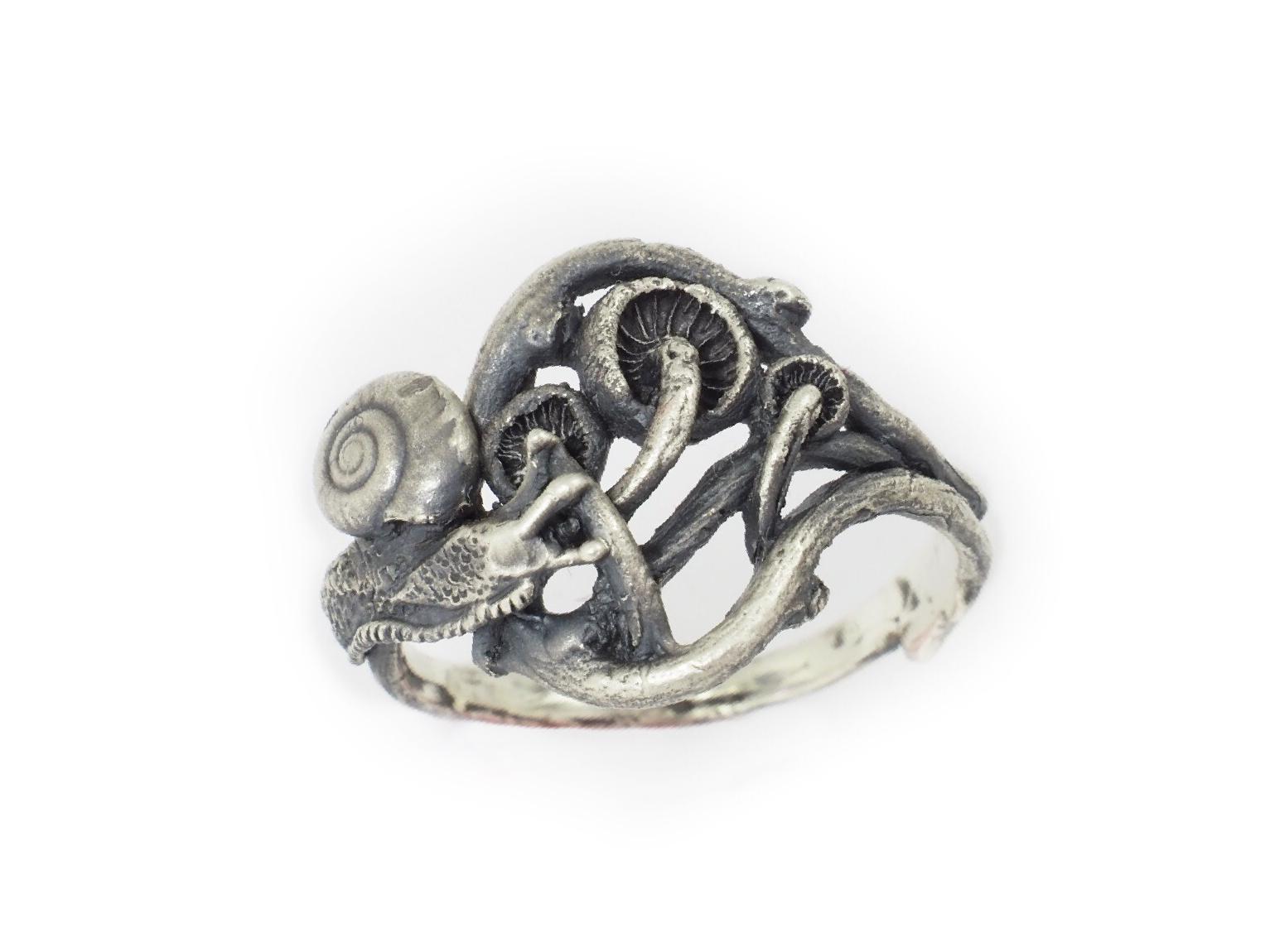 Mushroom Burrow Ring Snail