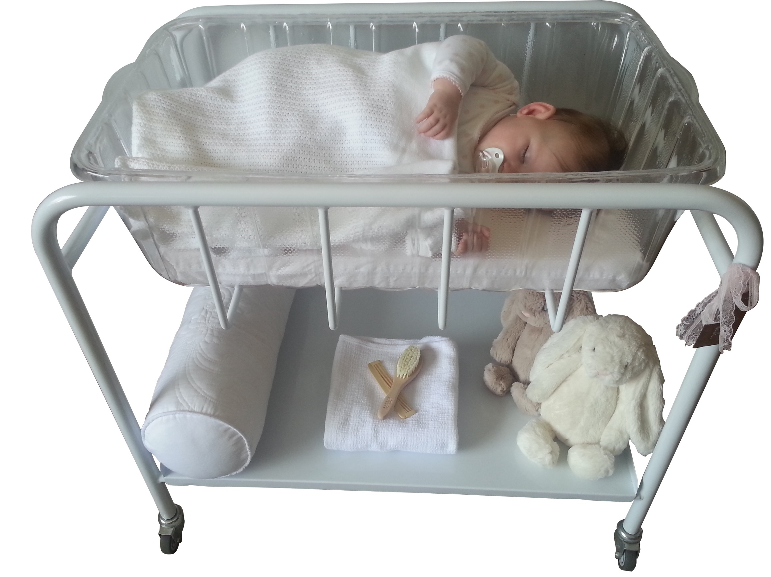 The Petite Cot and Bath