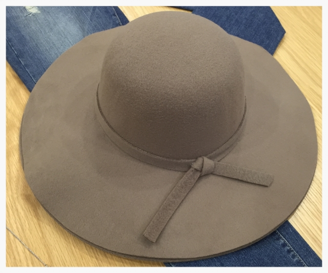 Great hat for Shul!