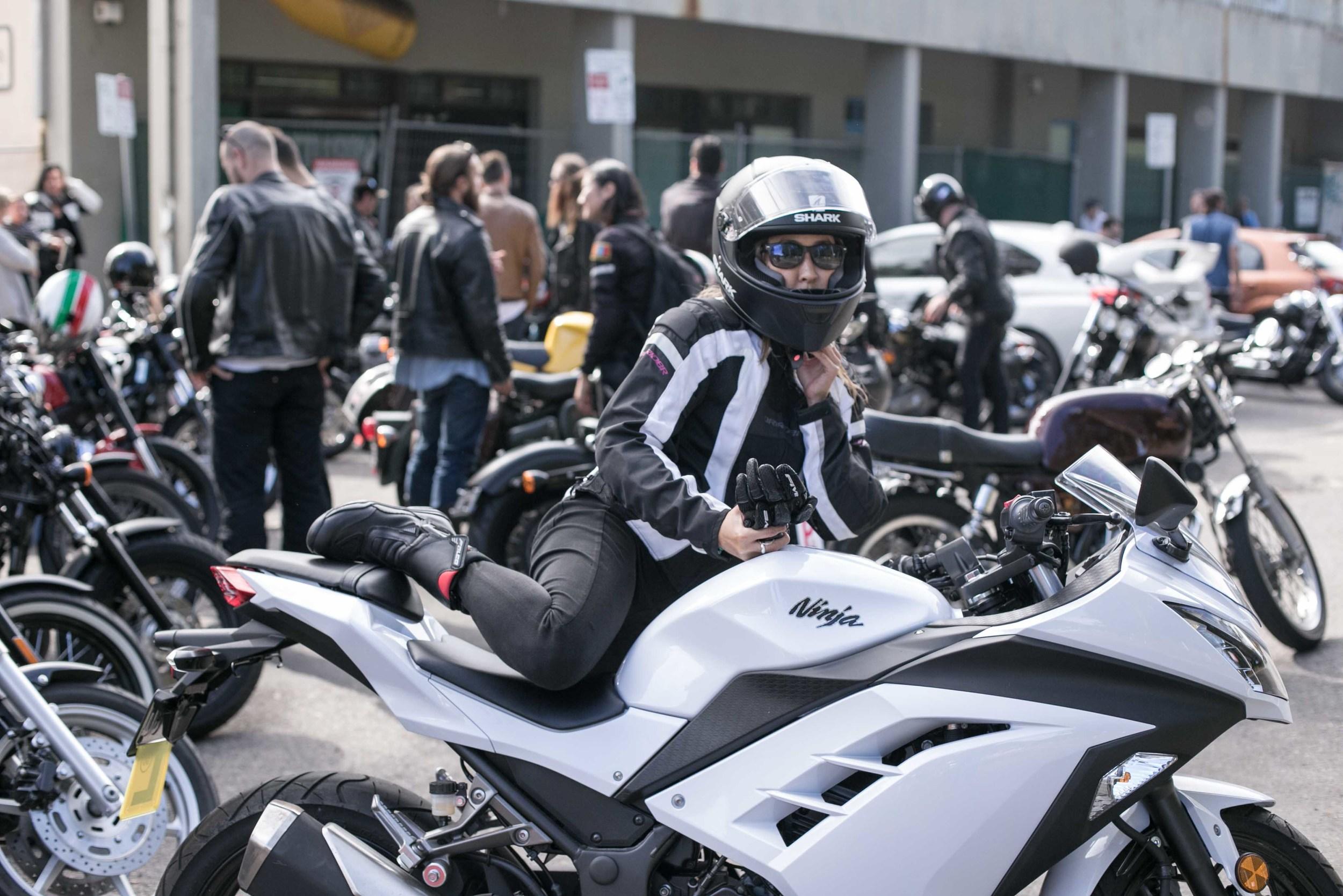 in_venus_Veritas_throttle_dolls_ride-9.jpg
