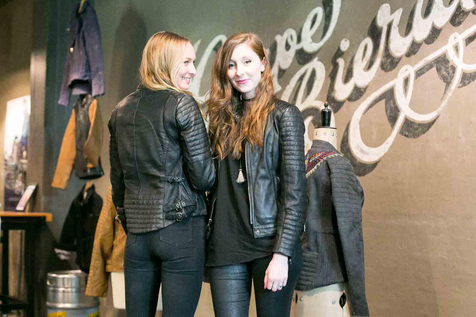 IN_VENUS_VERITAS_black_Arrow_label_womens_motorwear-13.jpg