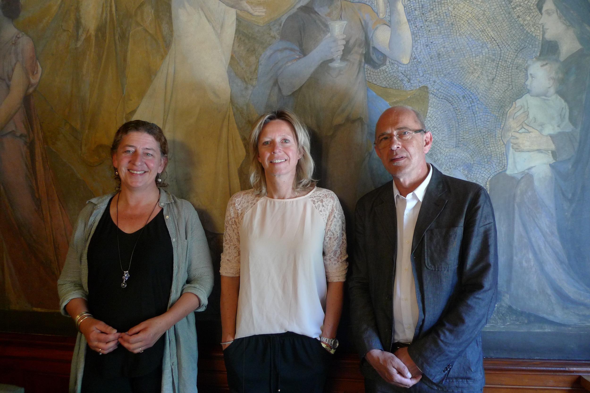 vlnr: Fleur Kuypers (bestuurslid BD), Kajsa Ollongren (Wethouder Gemeente Amsterdam), Wilco Tuinebreijer, (psychiater GGD Amsterdam en bestuursvoorzitter BD)