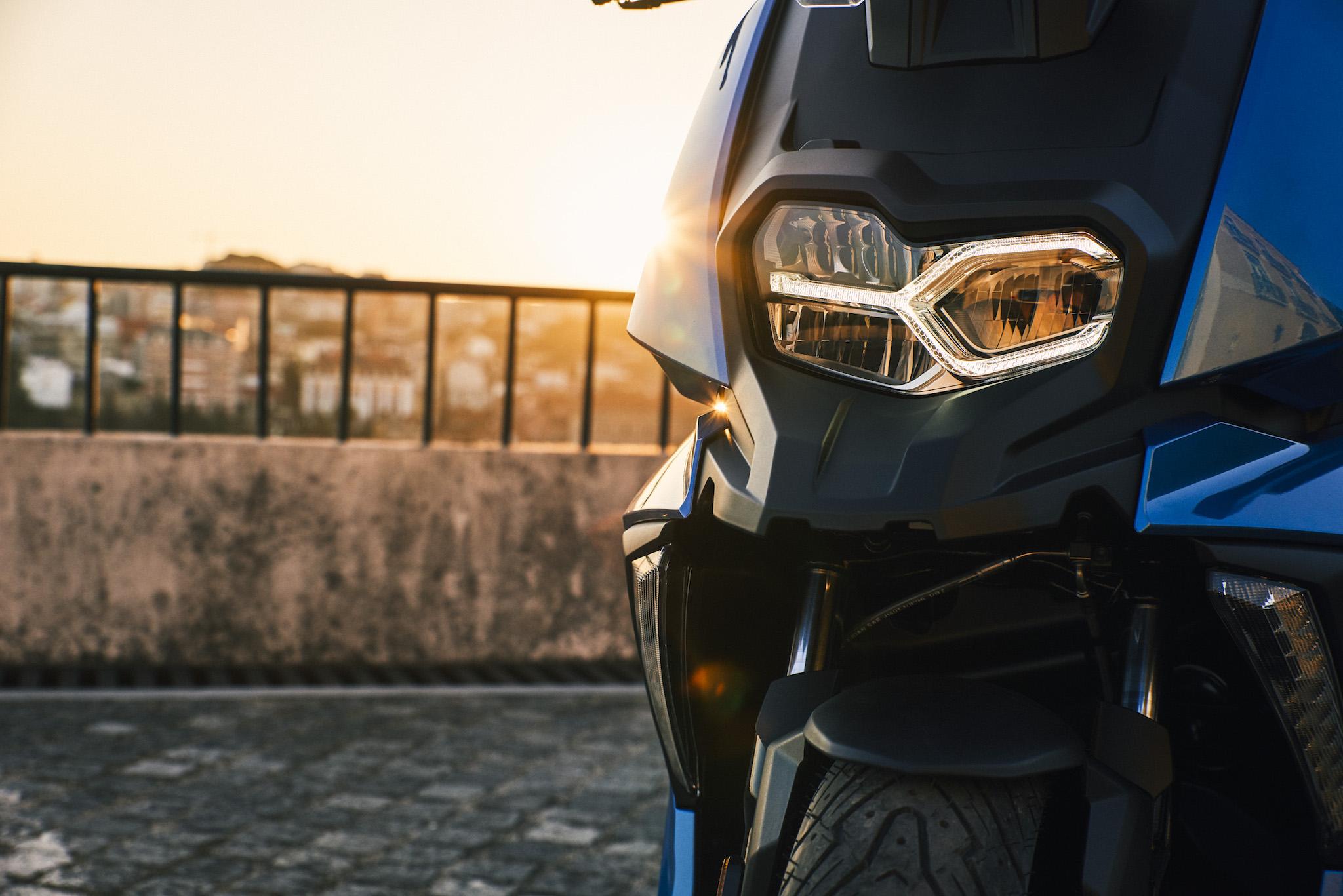 BMW_10_2812-1.jpg