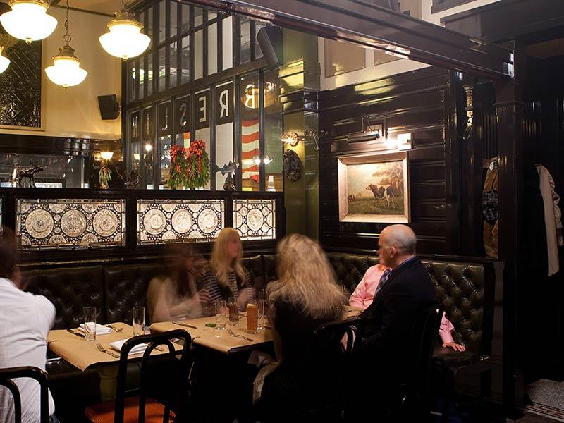 the-ace-hotel-breslin-restaurant-new-york-manhattan-stylish-trendy_diners.jpg