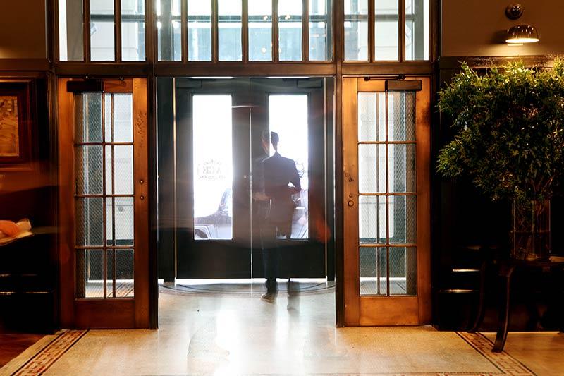 the-ace-hotel-new-york-stylish-entry-photo-credit-douglas-lyle-thompson.jpg