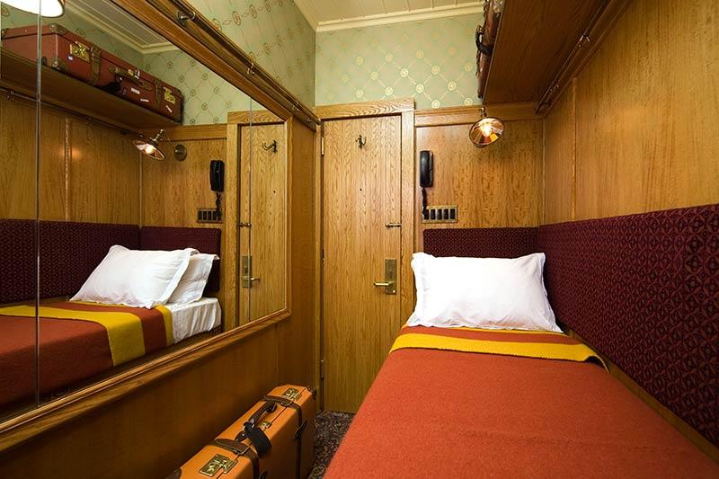The-Jane-Hotel-New-York-cabin-bedroom.jpg