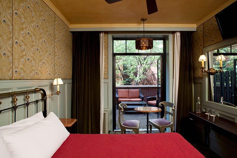 The-Jane-Hotel-New-York-captains-cabin-bedroom2.jpg