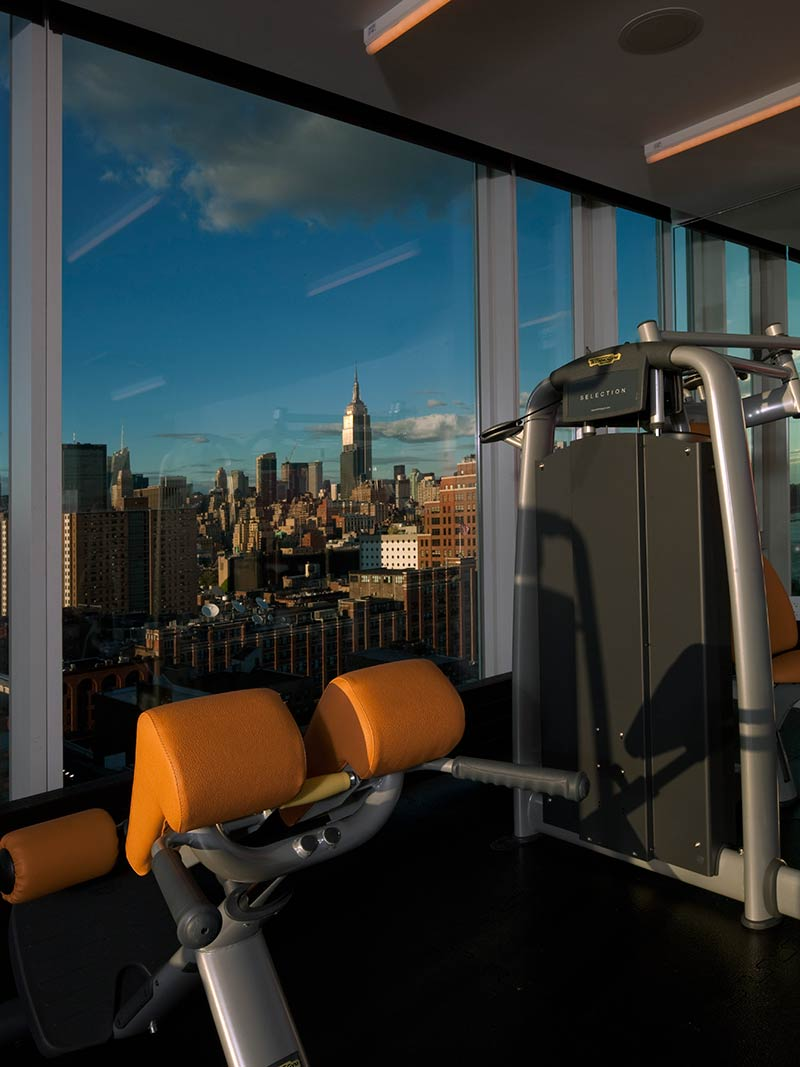 10-the-standard-high-line-hotel-new-york-manhattan-gym-view.jpg
