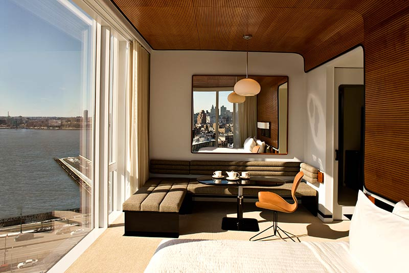 6-the-standard-high-line-hotel-new-york-manhattan-chairs-table.jpg