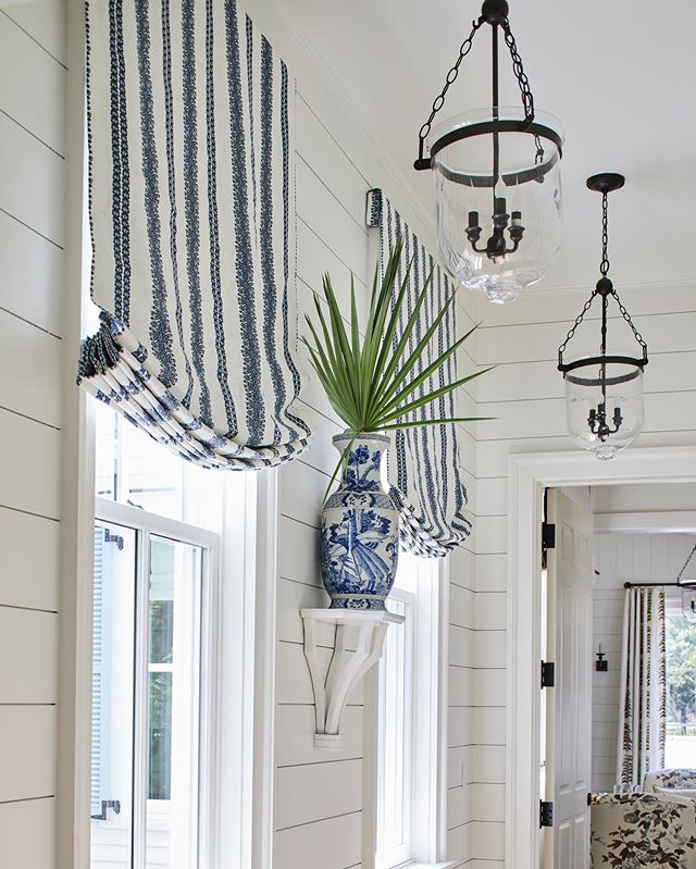 We 💙 the #SLIdeaHouse master suite entrance featuring our Cycladic Stripe in Cobalt from the ever-talented @heatherchadduck #blueandwhite