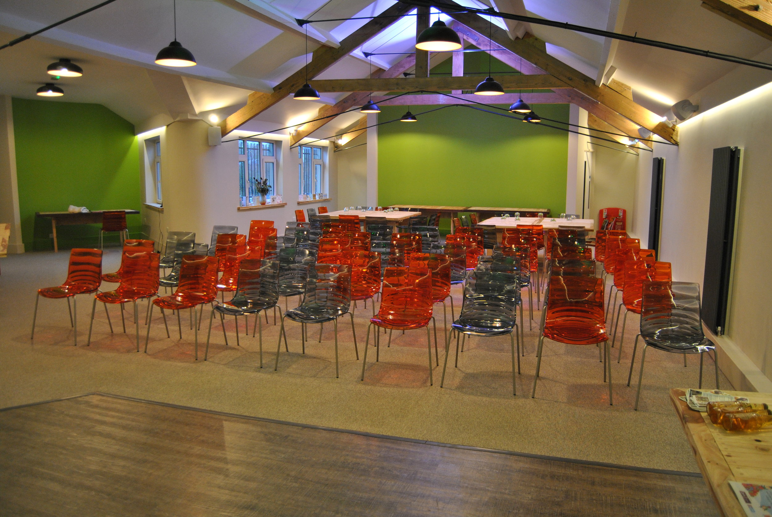 Theatre style room layout for a conference