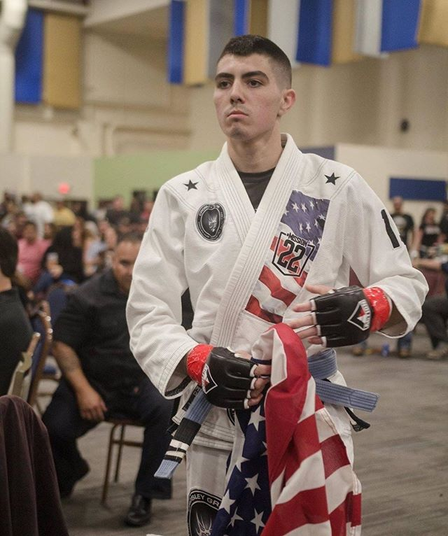 If you're a veteran interested in martial arts or a gym membership but can't afford one, check out Mission 22's Crossfit & Brazilian Jiu Jitsu Sponsorships on the Programs page of our website. We offer 3-month memberships to veterans with financial hardships to help them get involved in their communities. Credit: @richagu66 #mission22 #jiujitsu #judo #crossfit #unitedweheal
