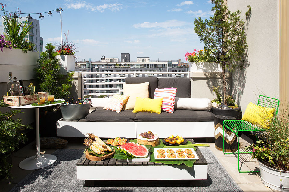 Domino: How to Entertain Well on the Tiniest Terrace