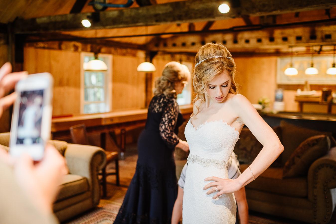 Stylish Crossed Keys Inn Wedding Crossed Keys Wedding Crossed Keys Inn Andover NJ Longbrook Photography-8.jpg