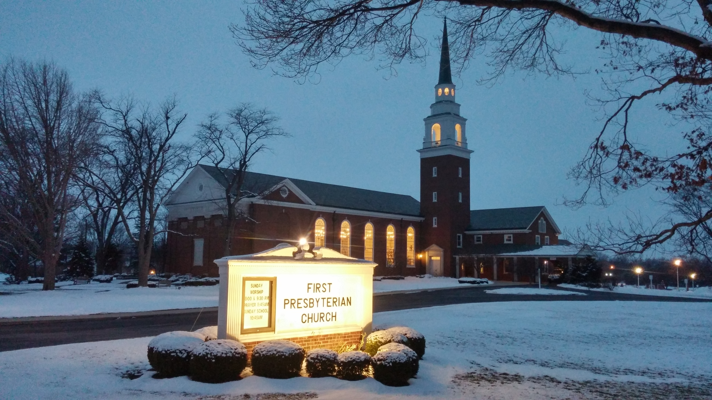 The First Presbyterian Church of Findlay Ohio is the new home to a Chime Master Millennium electronic carillon.