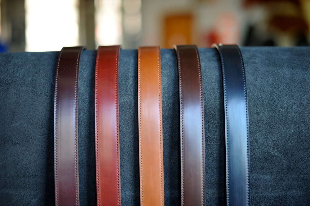 Made in USA One-Piece Navy Shell Cordovan Leather Belt 1.25/'/' W