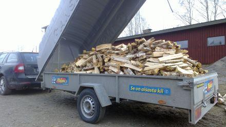 Доставка дров. Дом в Финляндии
