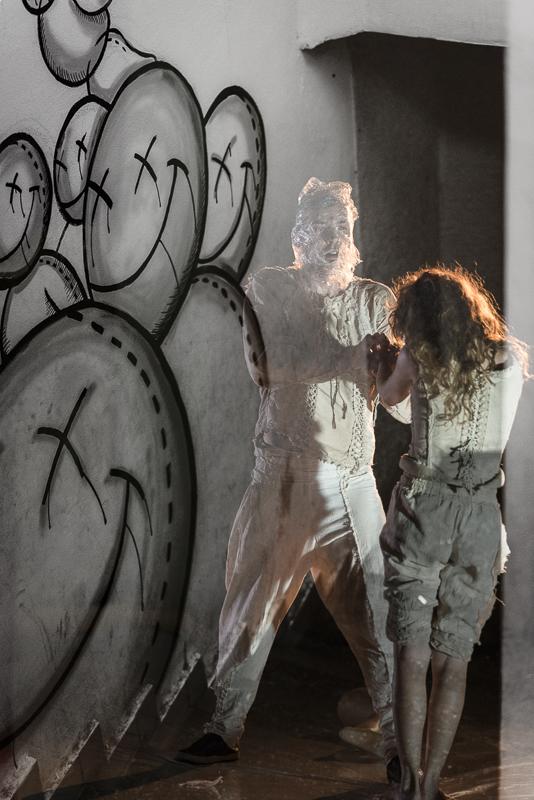 The audience - by Amy Kanka Valadarsky