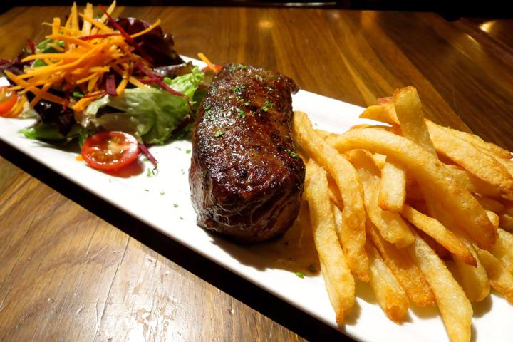 Steak Frites 1.JPG