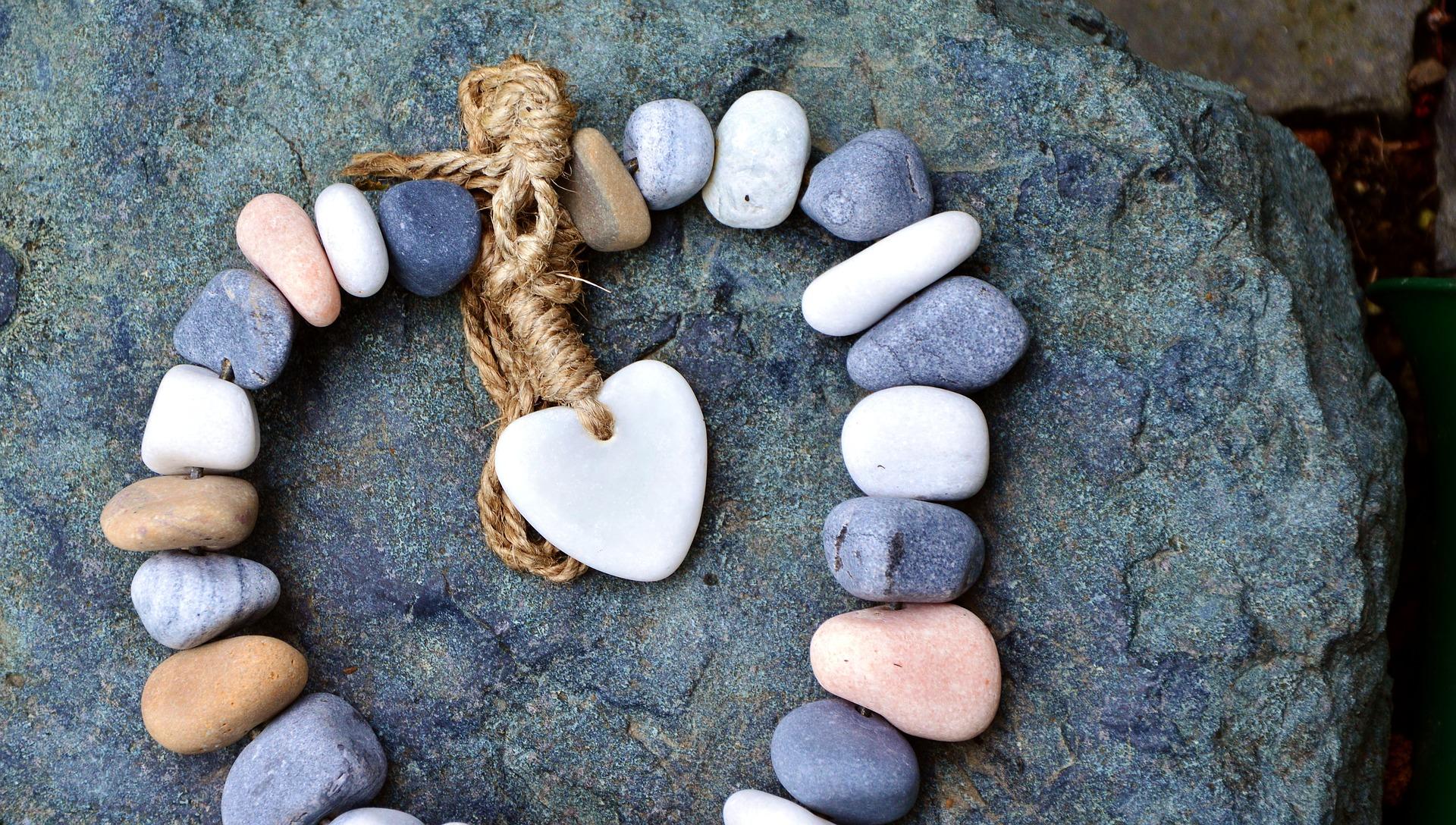 living single heart stones.jpg