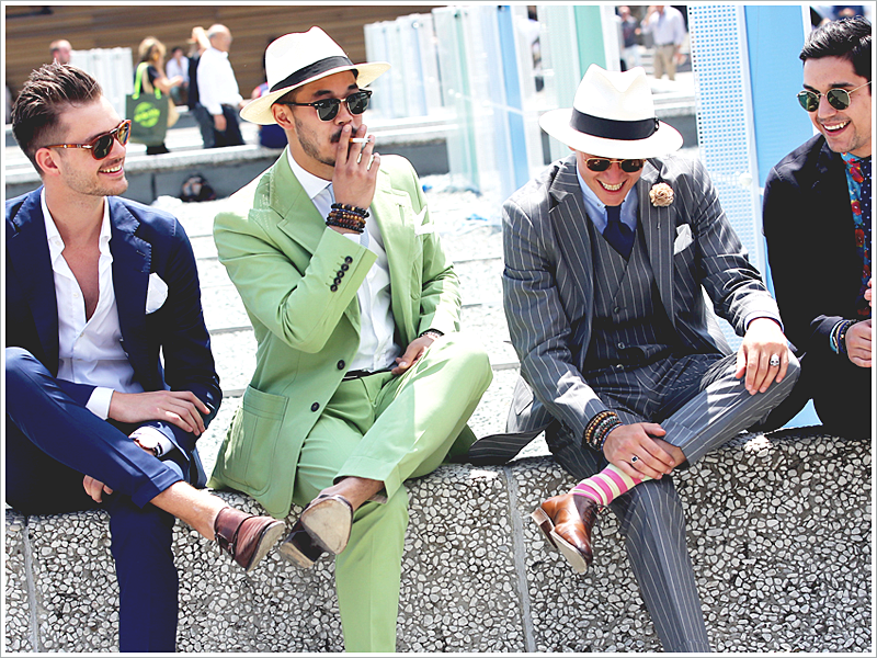 Gentlemen of Pitti Uomo // Focus: The modernity of their outfits when paired with sunglasses
