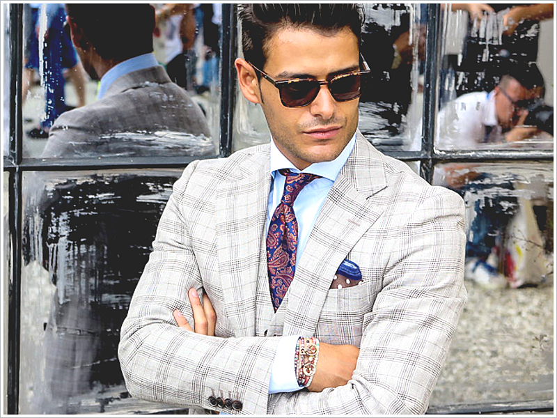 Frank Gallucci in Italy // Focus: The rich colors in his paisley tie