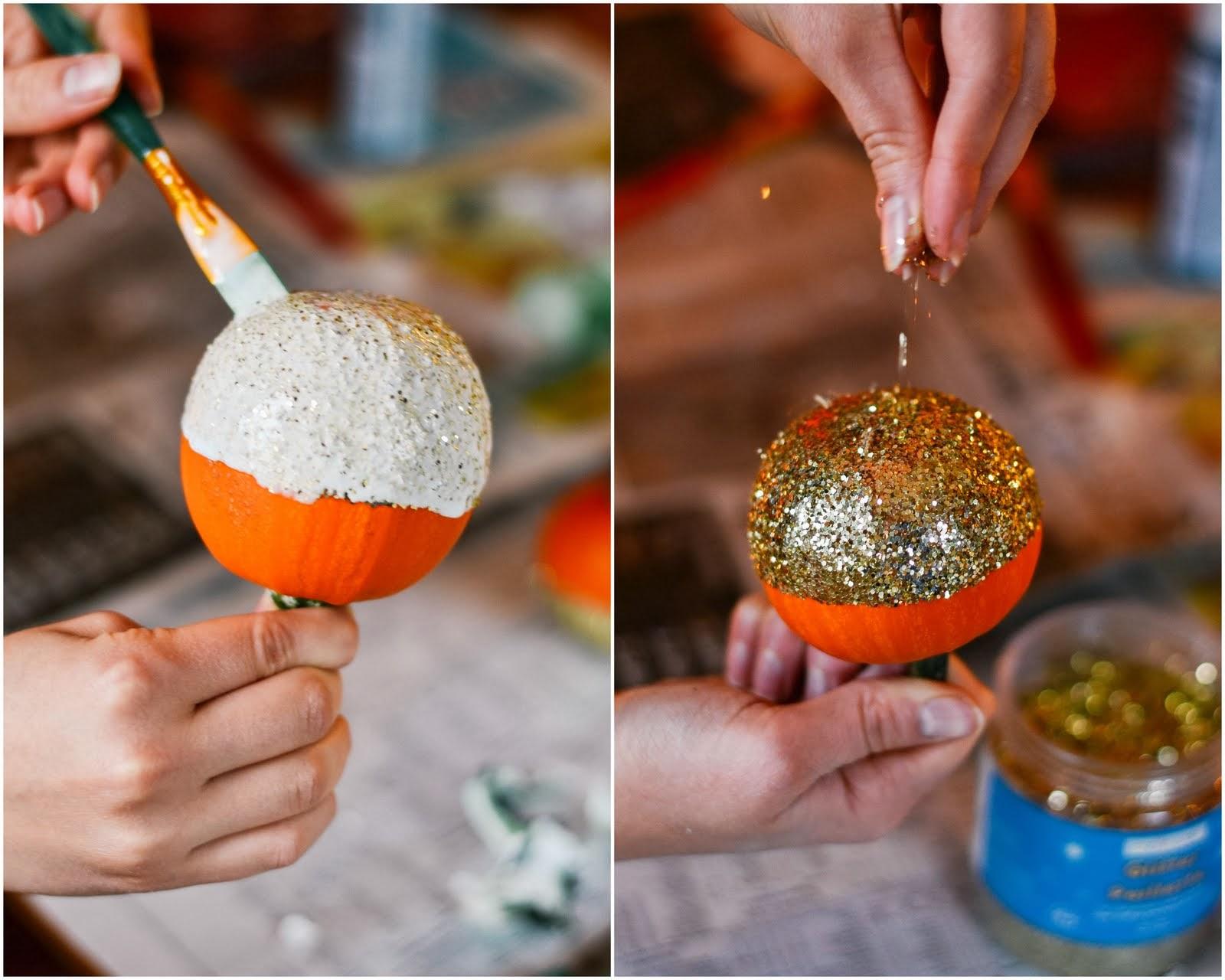 pumpkin+paint+glitter.jpg