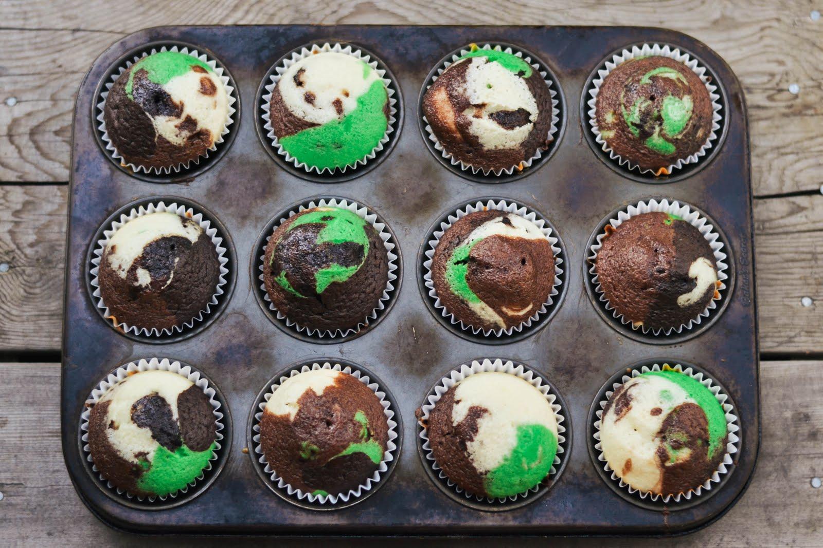 camo+cupcakes-4.jpg