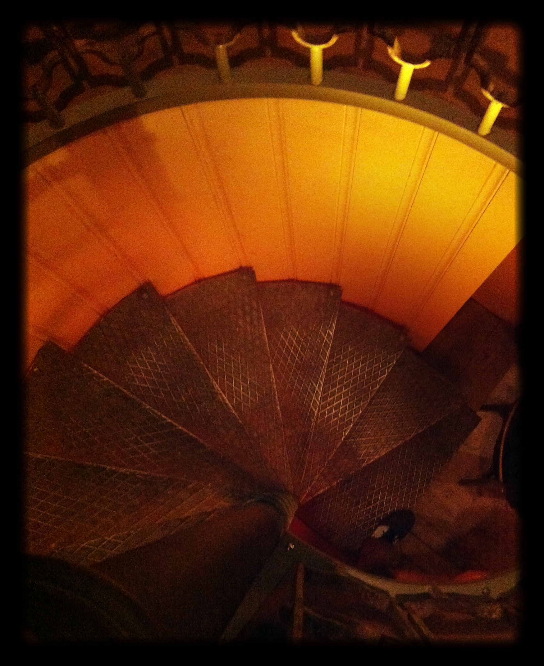 Steel_spiral_Staircase
