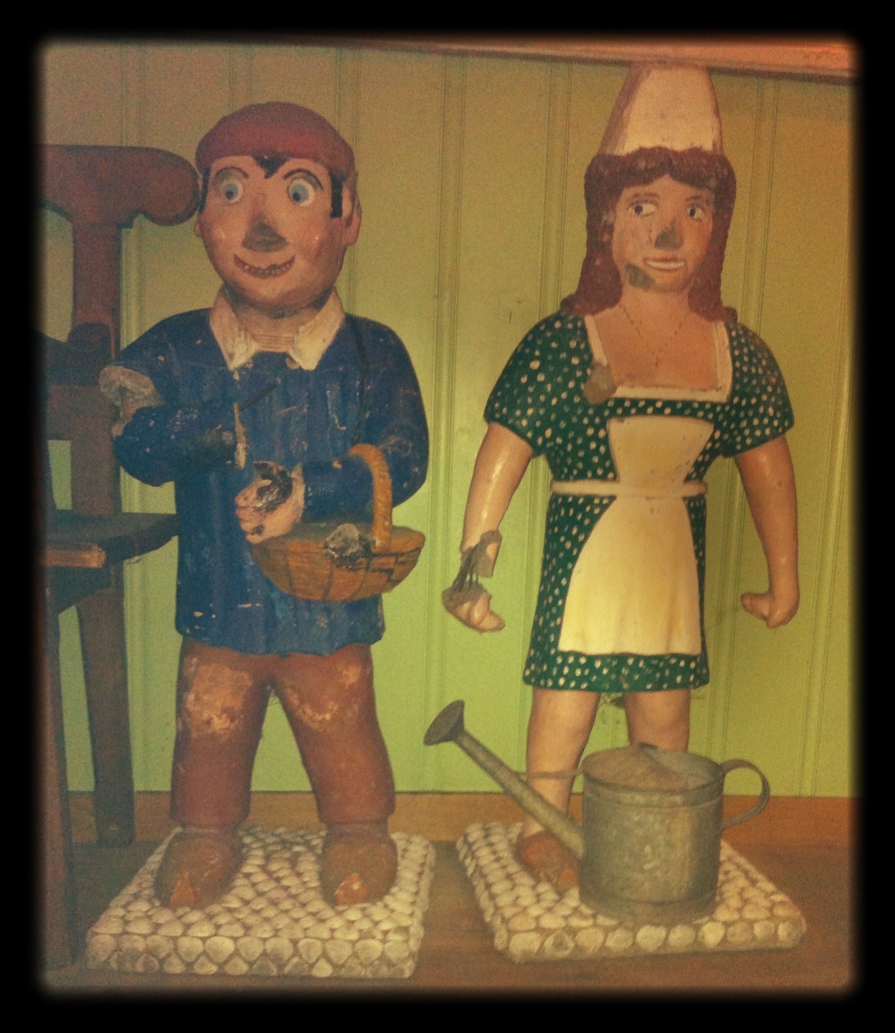 Scary_little_cement_boy_and_girl