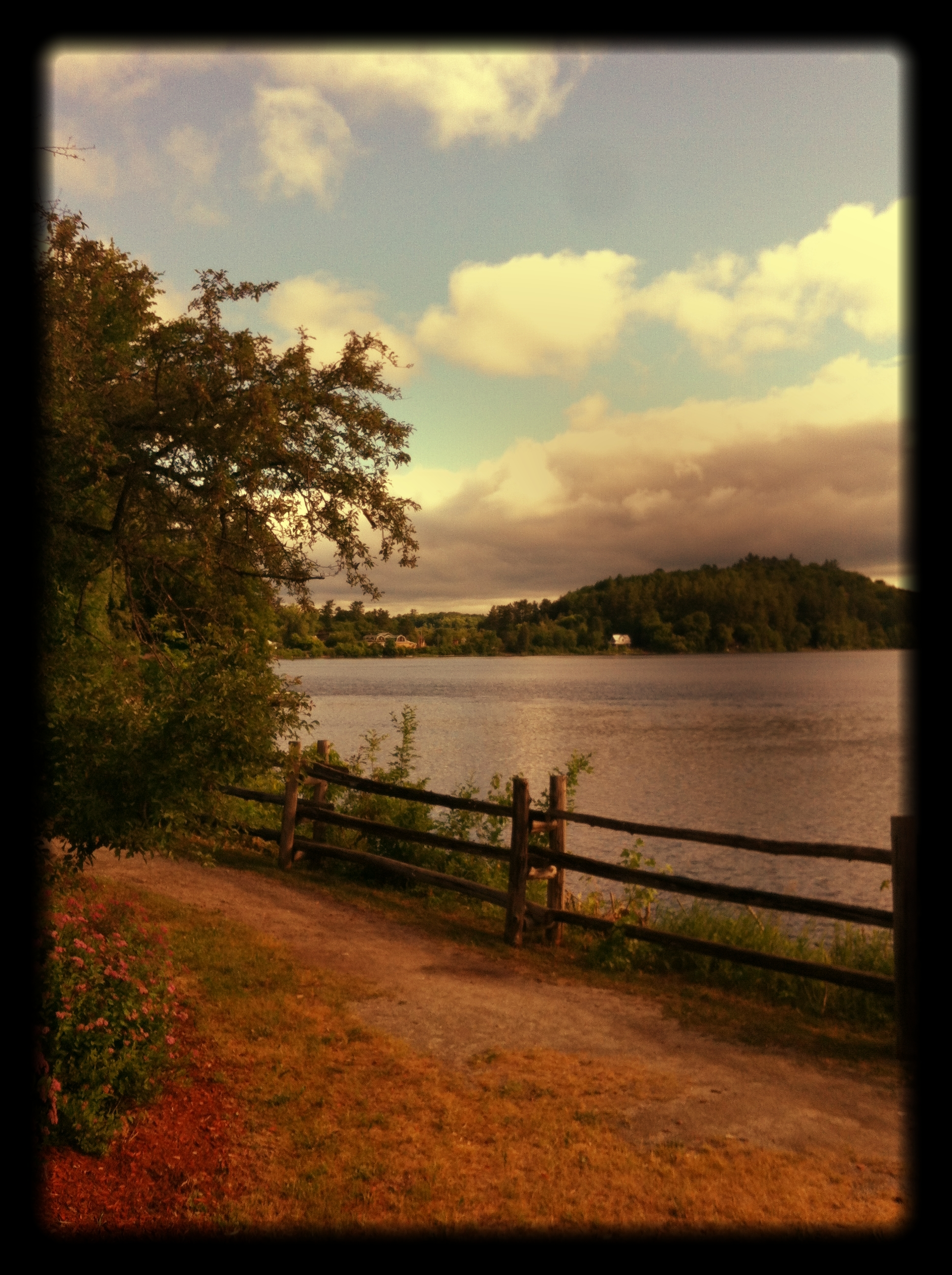 Along_the_shores_of_the_Gatineau