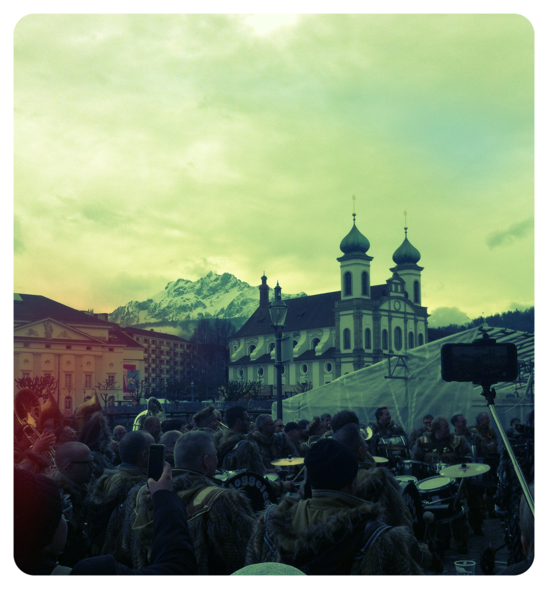 Mount_Pilatus_players_and_people_in_Luzern