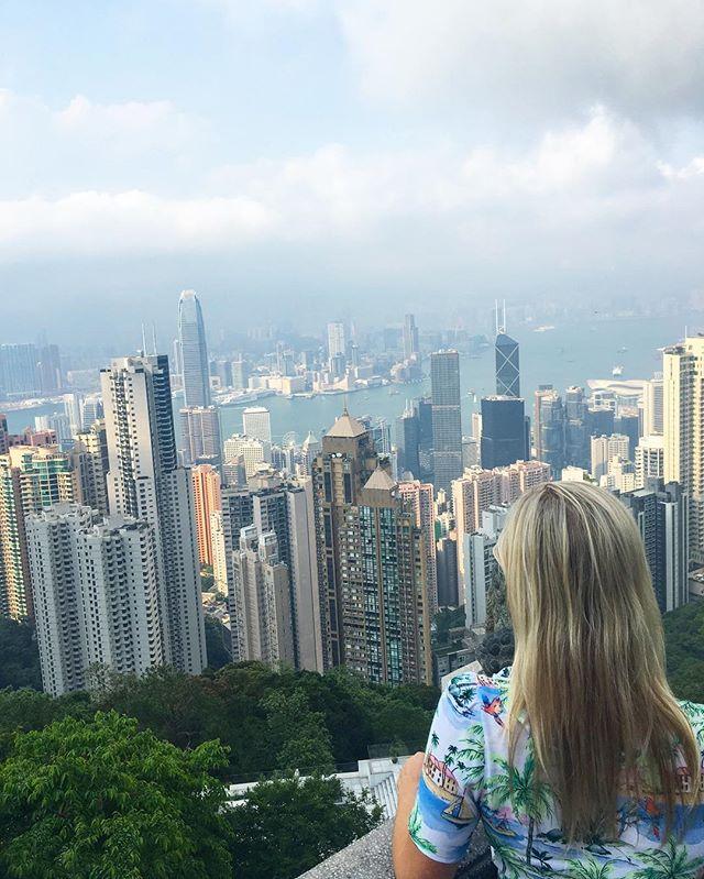 On top of the world 🏙 #hongkong #victoriapeak #hk #hkig #travelhongkong #asia