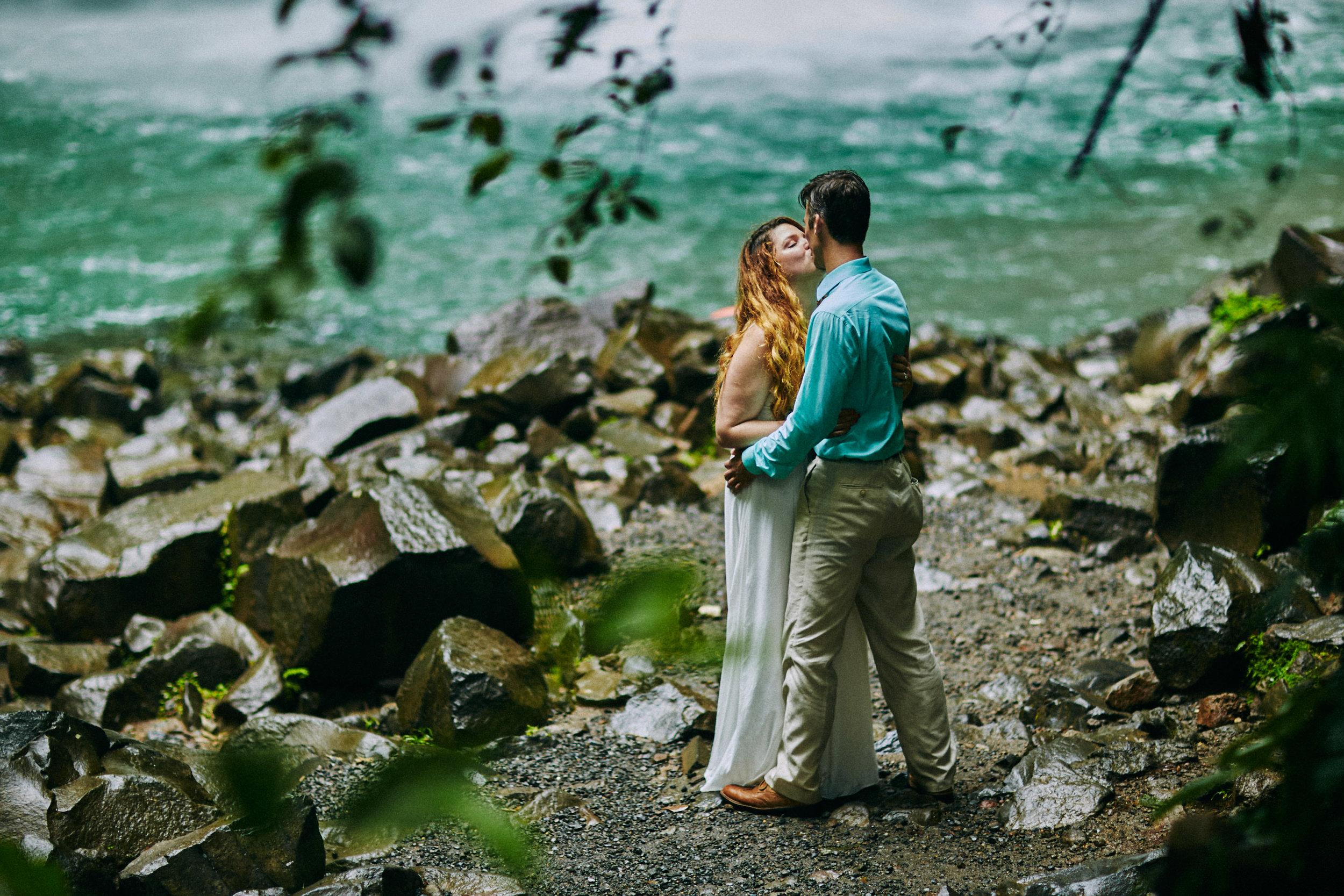 Engagement_La_Fortuna_Waterfall 06.jpg