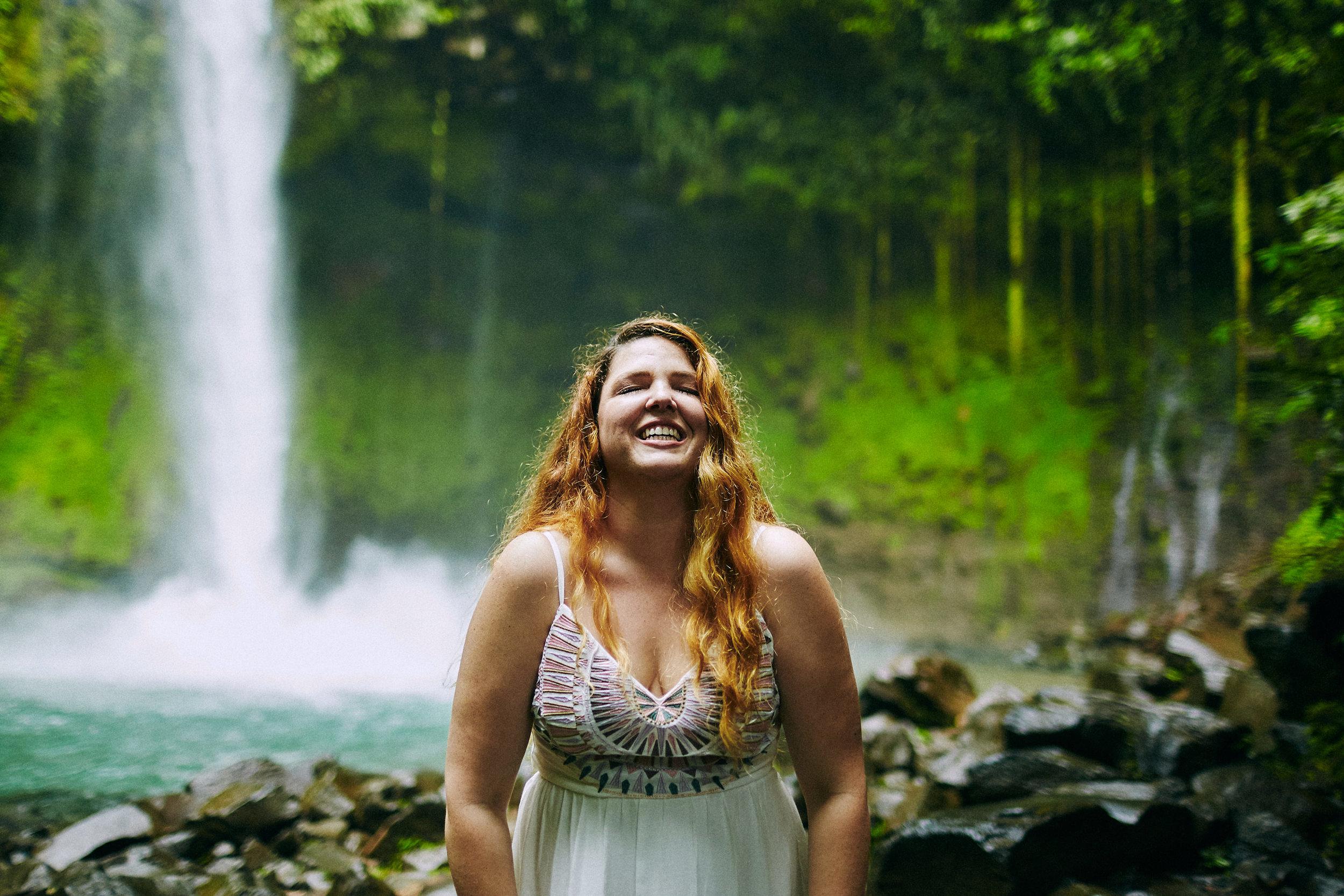 Engagement_La_Fortuna_Waterfall 09.jpg