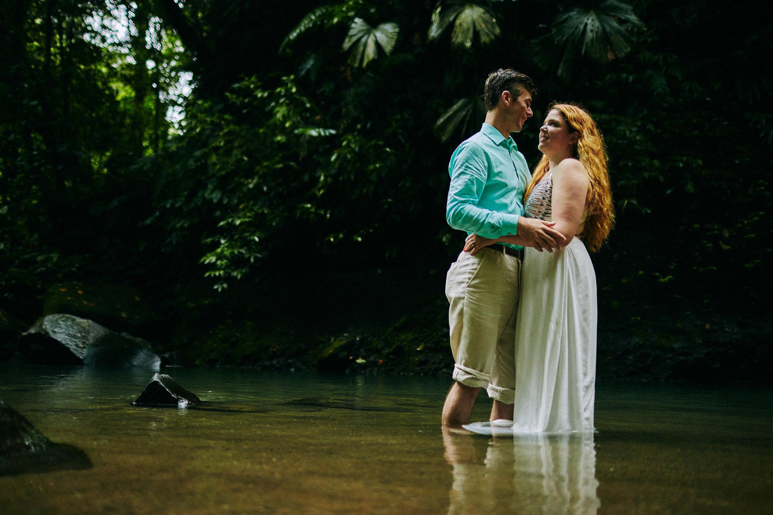 Engagement_La_Fortuna_Waterfall 14.jpg