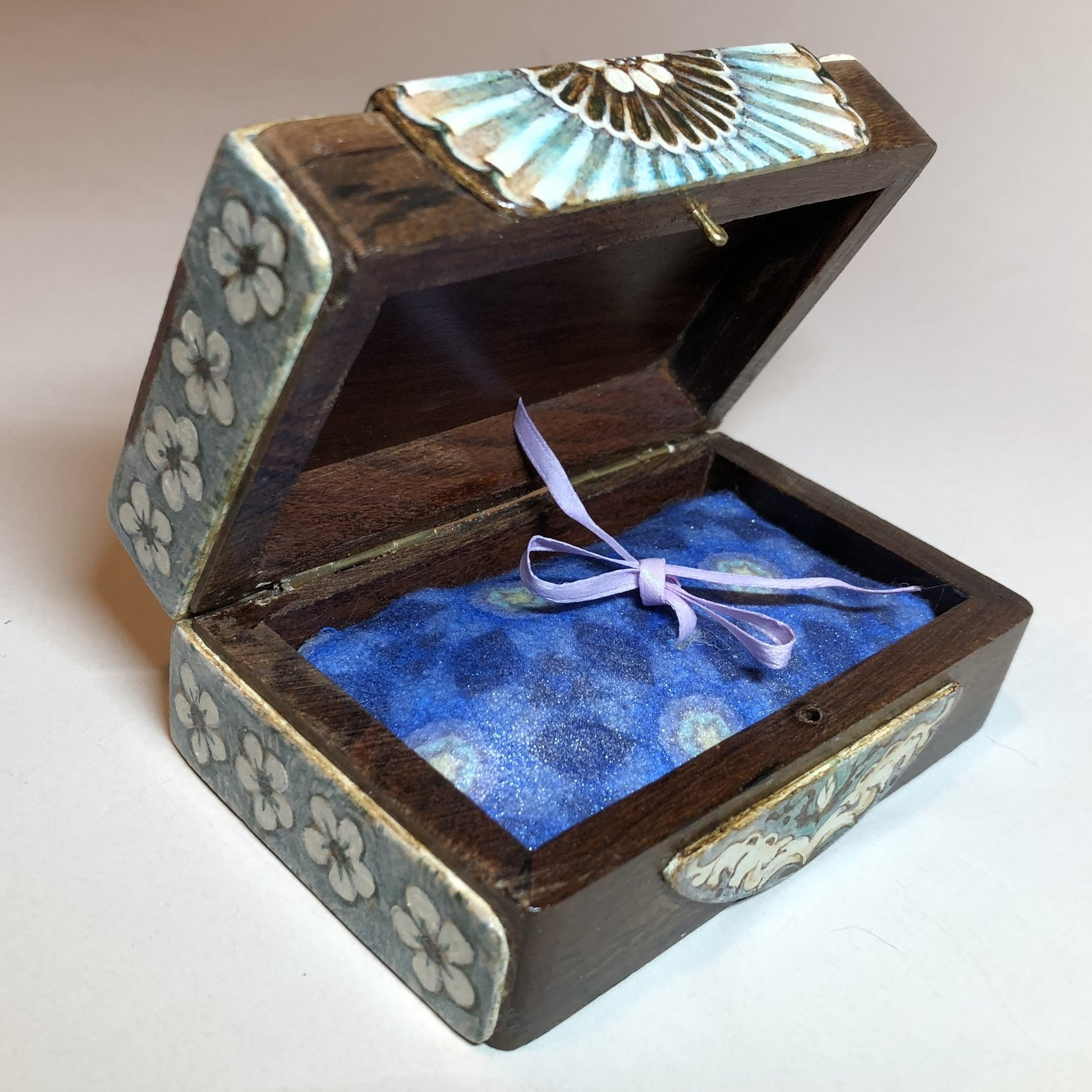 Ribbon swap and a glaze of iridescent medium...The finished Belvedere Box!