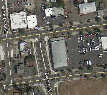 Intersections of Pacific and Oak (top) and 9th and Oak (bottom). Lot in center right.
