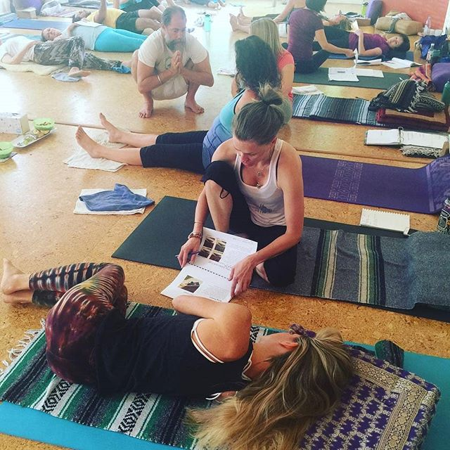 "HereNowYoga partnered with @birminghamyoga last weekend! The Hanna Somatics workshop with Akasha Ellis was offered as a possible ""specialty weekend"" in the HNY 300 Hour program? Were you there? How was it? . . More specialty weekends to be added to the calendar soon. Learn more about the program at HereNowYoga.com . . #Repost @birminghamyoga ・・・ Twenty yogis expanding their knowledge together ❤️ If you missed our Hanna Somatic Yoga training, don't worry. We will be adding 2019 dates to our calendar soon. #herenowyoga #birminghamyoga #yogawithakasha #yogateachertraining"